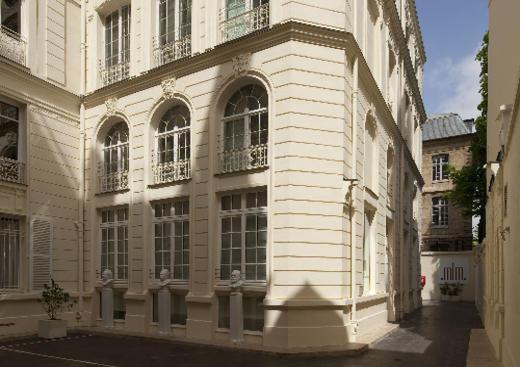 Übersetzung Französisch-Englisch Museum